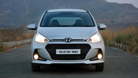 Hyundai Grand i10 2017 Asta Diesel Comparo