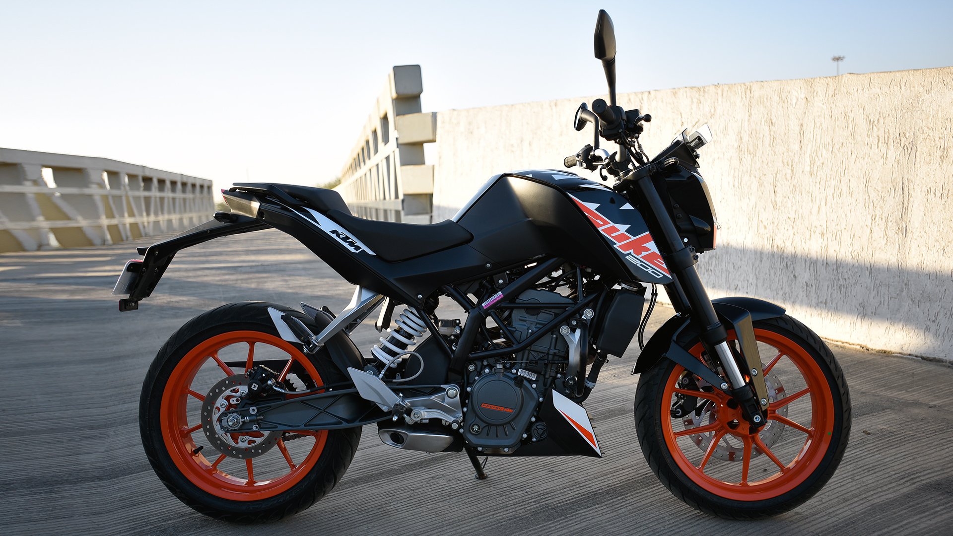 ktm 200 duke 2015 std - price, mileage, reviews, specification