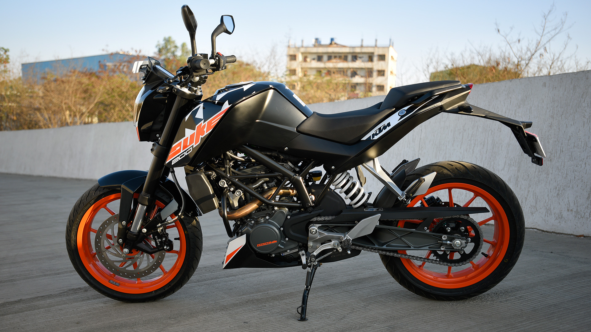 ktm 200 duke 2017 std bike photos overdrive. Black Bedroom Furniture Sets. Home Design Ideas