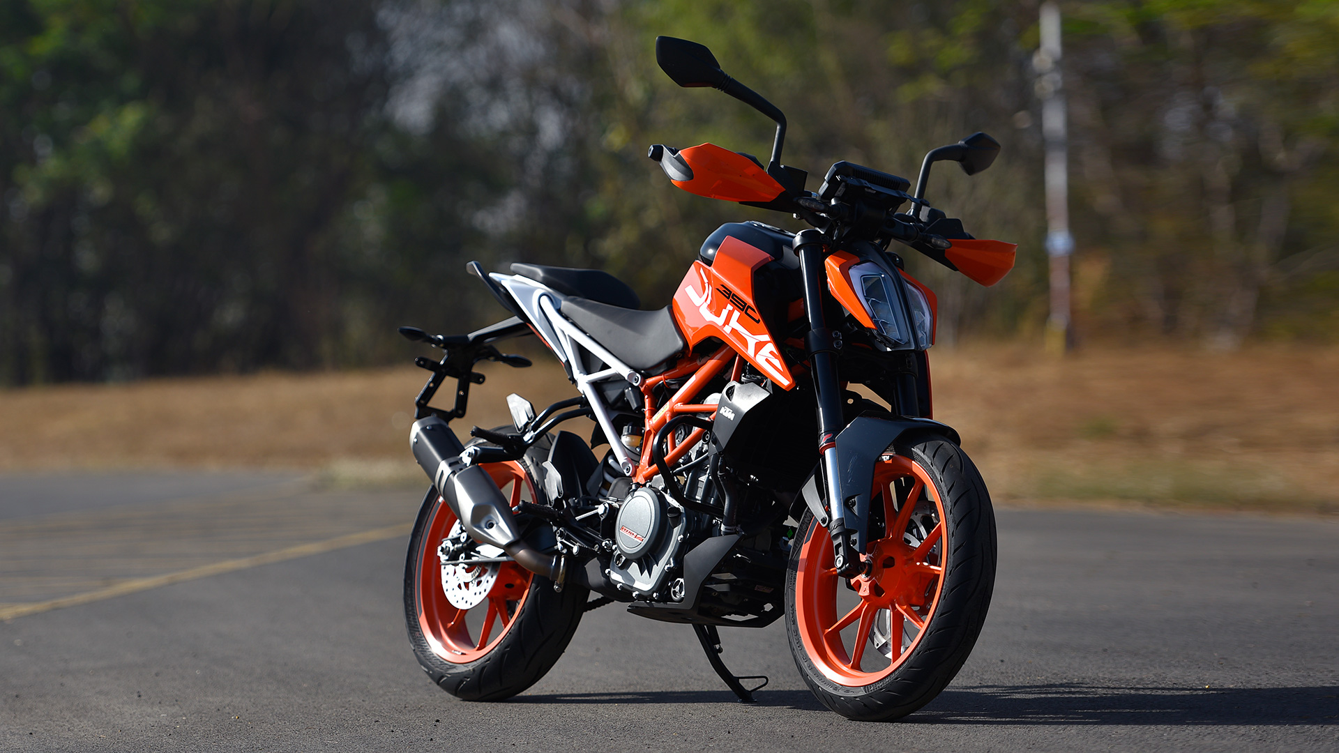 ktm 390 duke 2017 price mileage reviews specification gallery overdrive. Black Bedroom Furniture Sets. Home Design Ideas