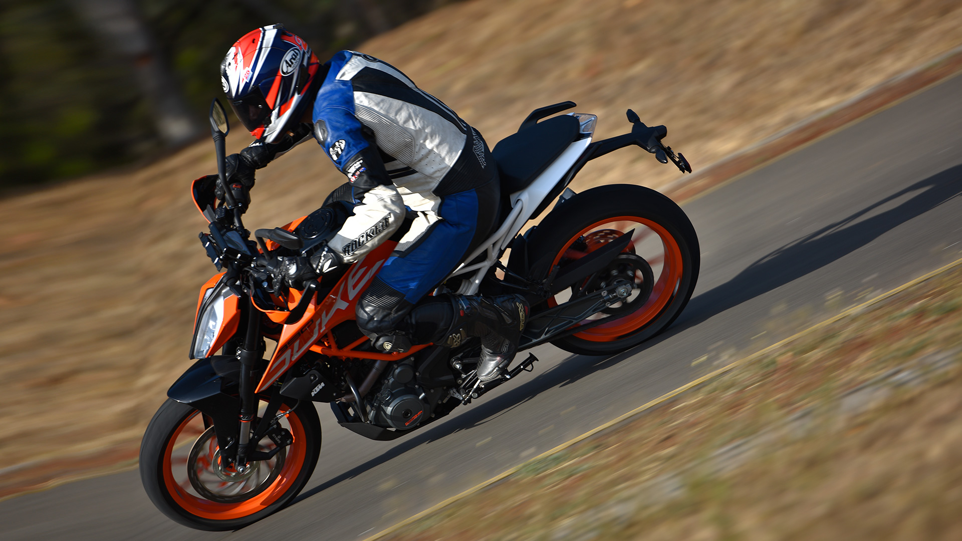 ktm 390 duke 2017 price mileage reviews specification. Black Bedroom Furniture Sets. Home Design Ideas
