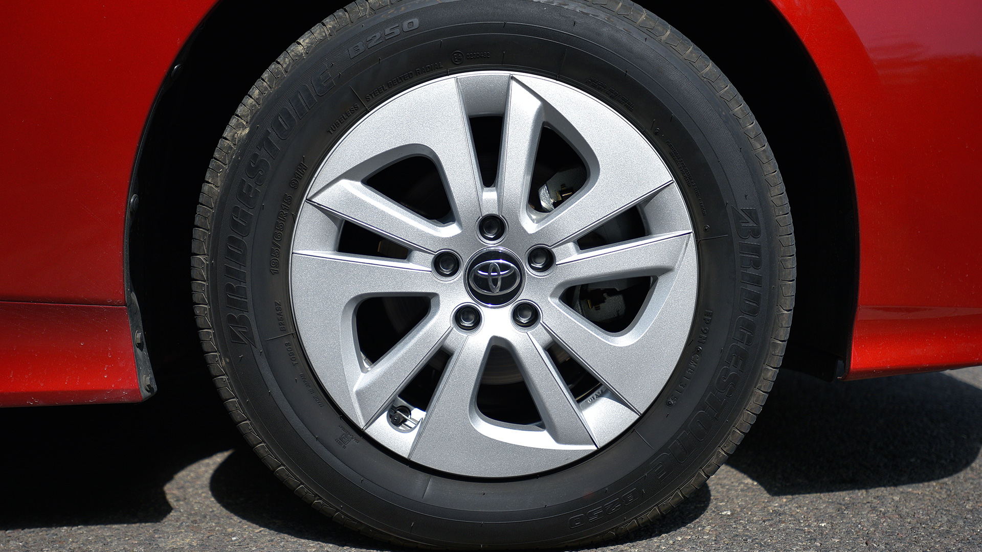 Toyota Prius 2017-1.8 Z8 Exterior