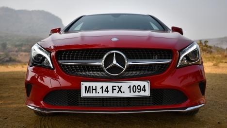 Mercedes-Benz CLA 2017 200 D Sport Comparo
