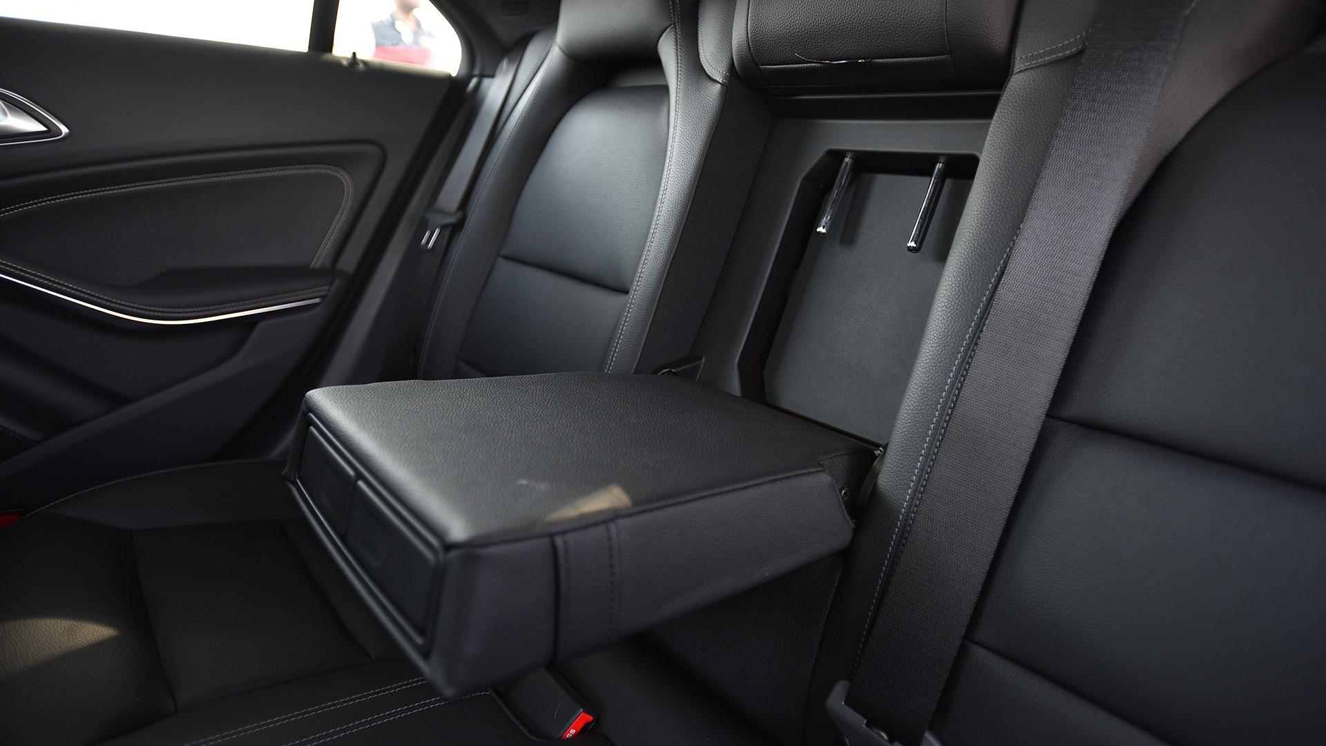 Mercedes Benz CLA 2017 200 Sport Interior