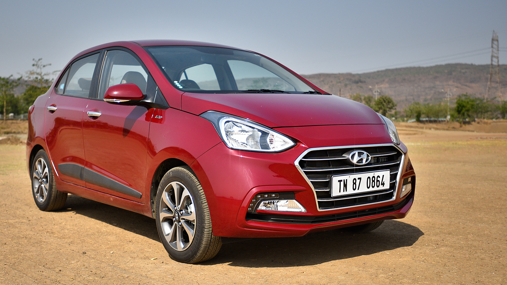 Hyundai xcent 2017 price mileage reviews for Hyundai xcent exterior