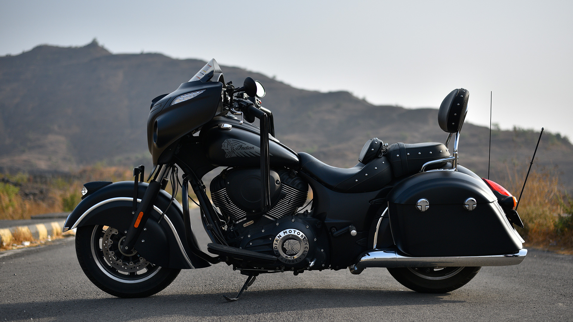 indian chieftain 2016 dark horse price mileage reviews specification gallery overdrive. Black Bedroom Furniture Sets. Home Design Ideas