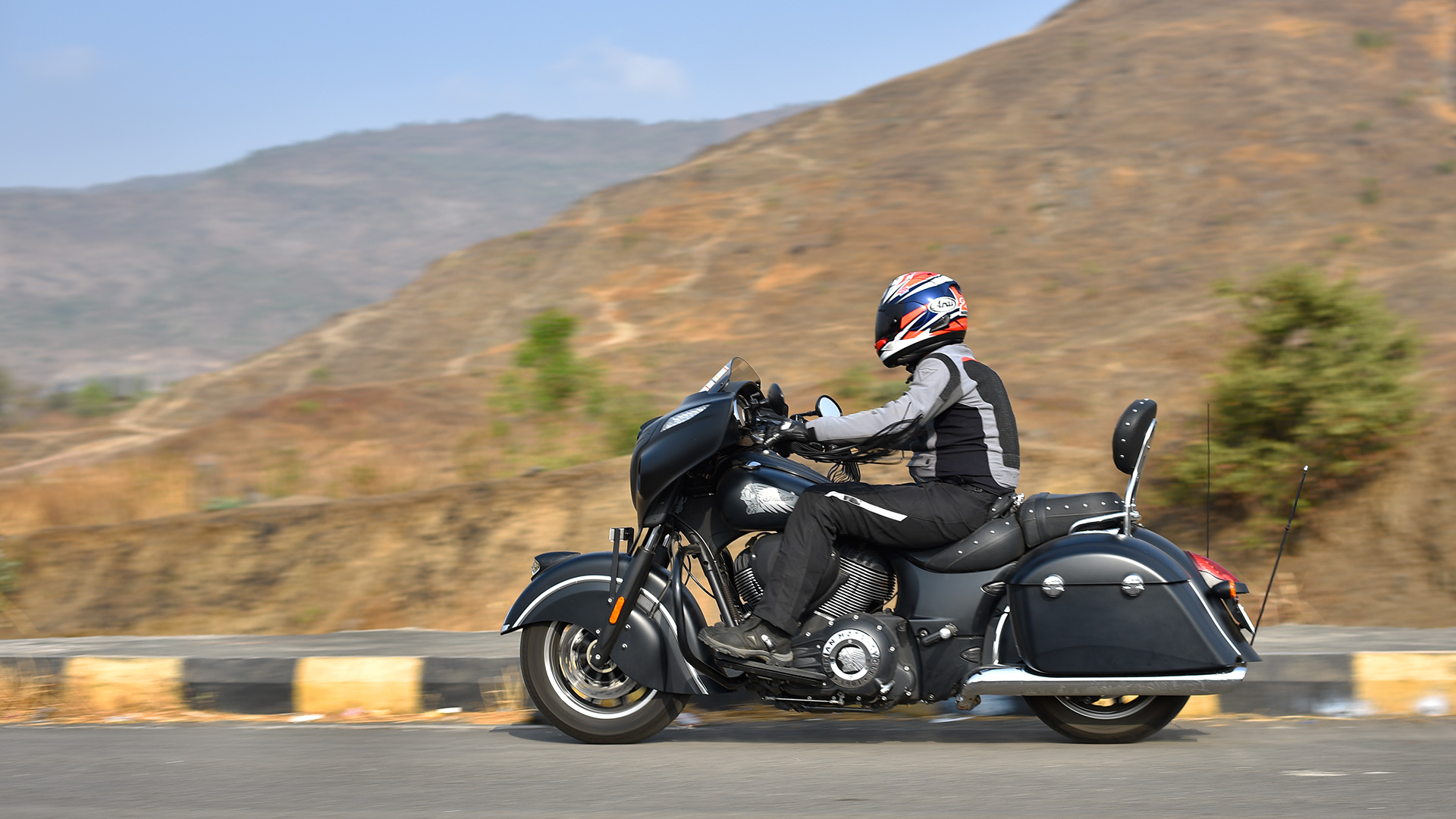 Indian Chieftain 2016 Dark Horse Exterior