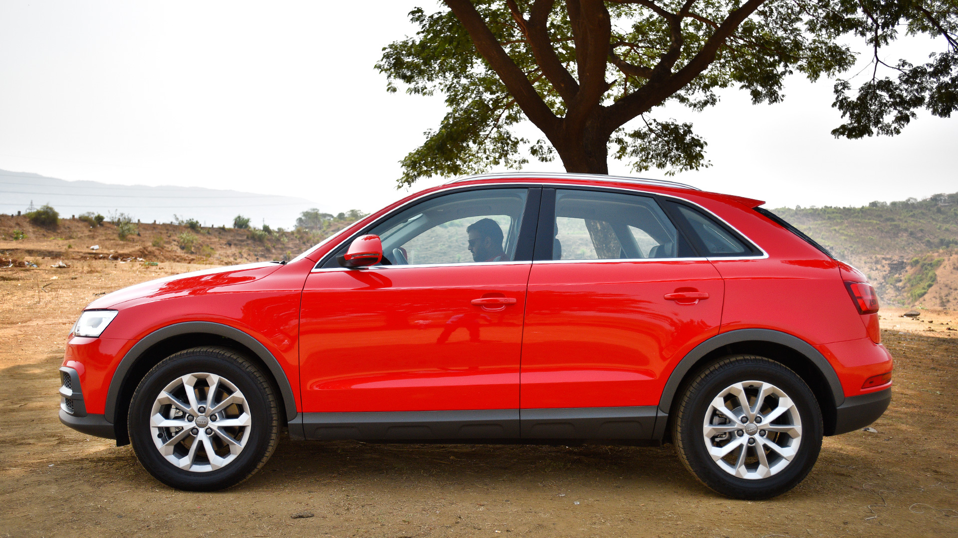 audi q3 2017 30 tdi premium price mileage reviews specification gallery overdrive. Black Bedroom Furniture Sets. Home Design Ideas