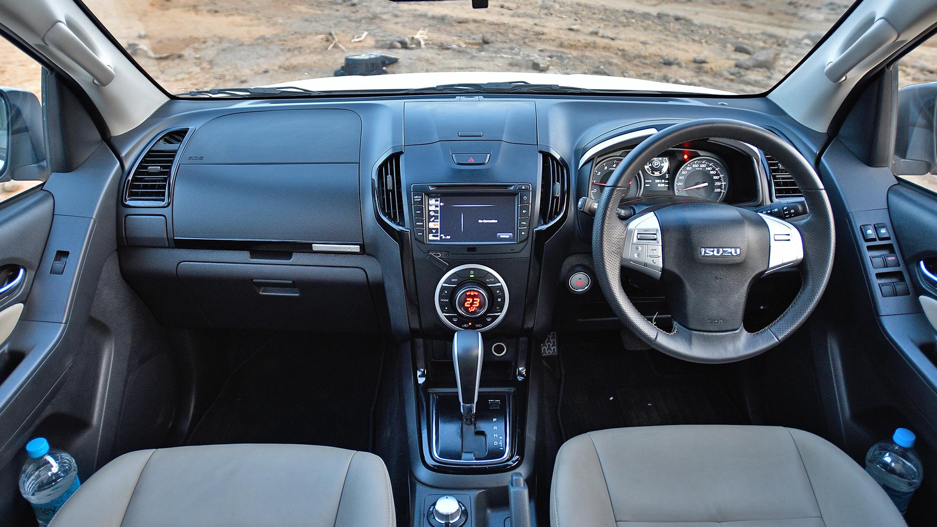 Isuzu MU-X 2017 4x4 Interior Car Photos - Overdrive
