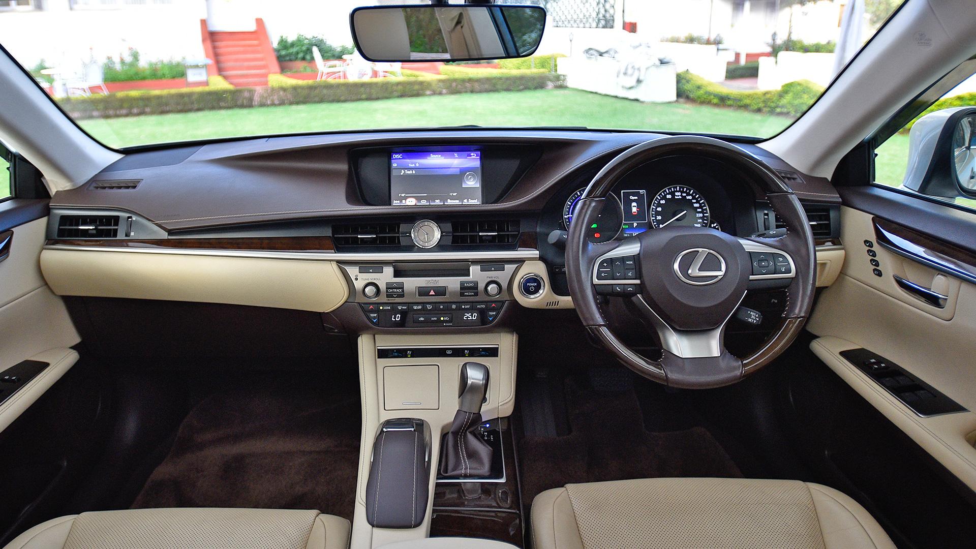 Lexus Es 300h 2017 Std Interior Car Photos Overdrive