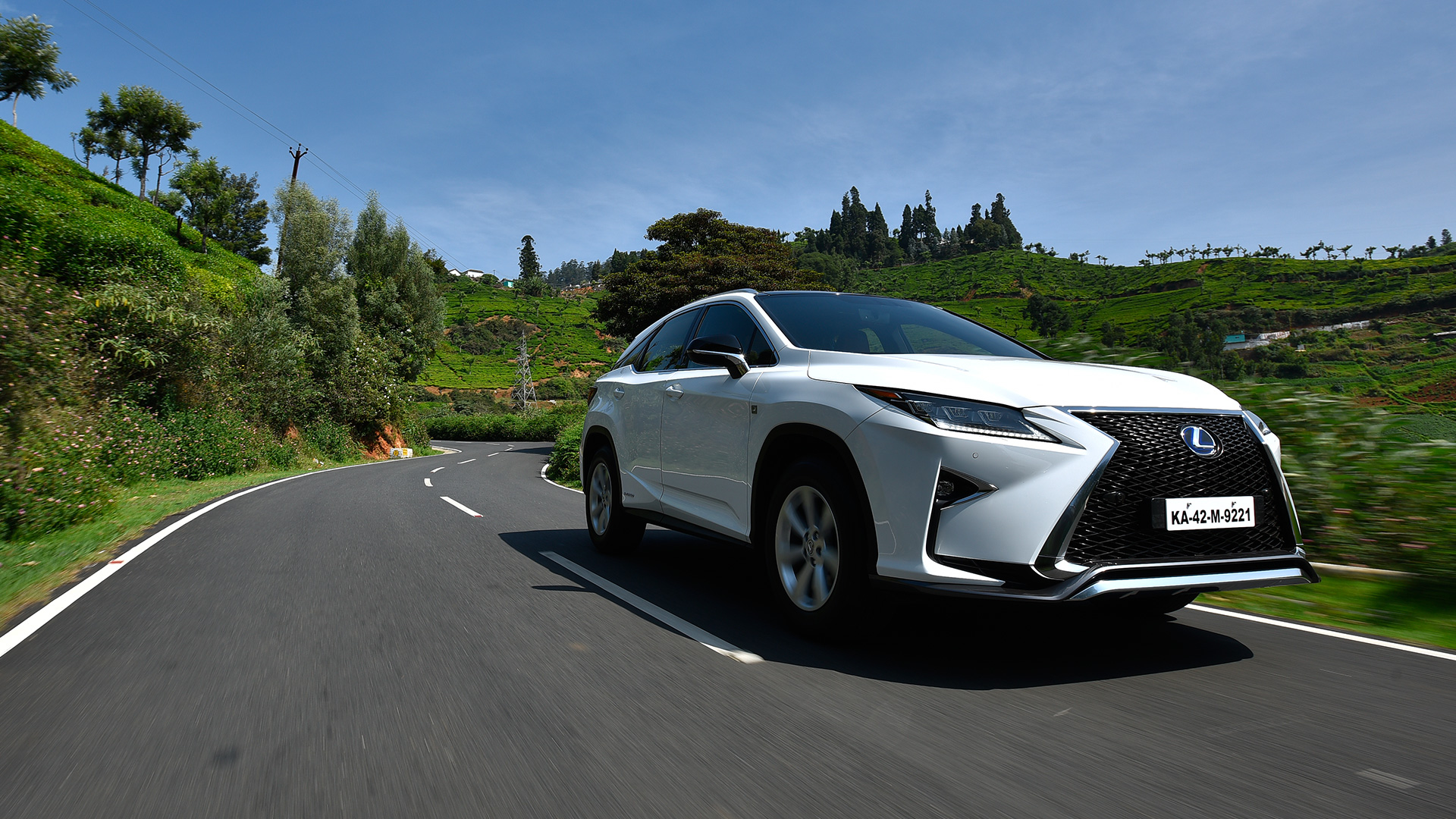 lexus rx 450h 2017 price mileage reviews specification gallery overdrive. Black Bedroom Furniture Sets. Home Design Ideas