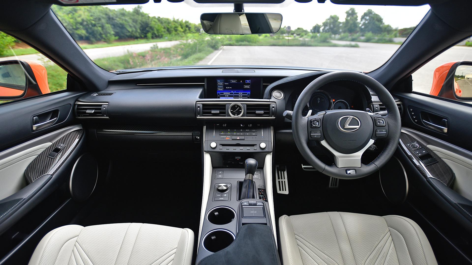 ... Lexus RC F 2018 STD Interior ...