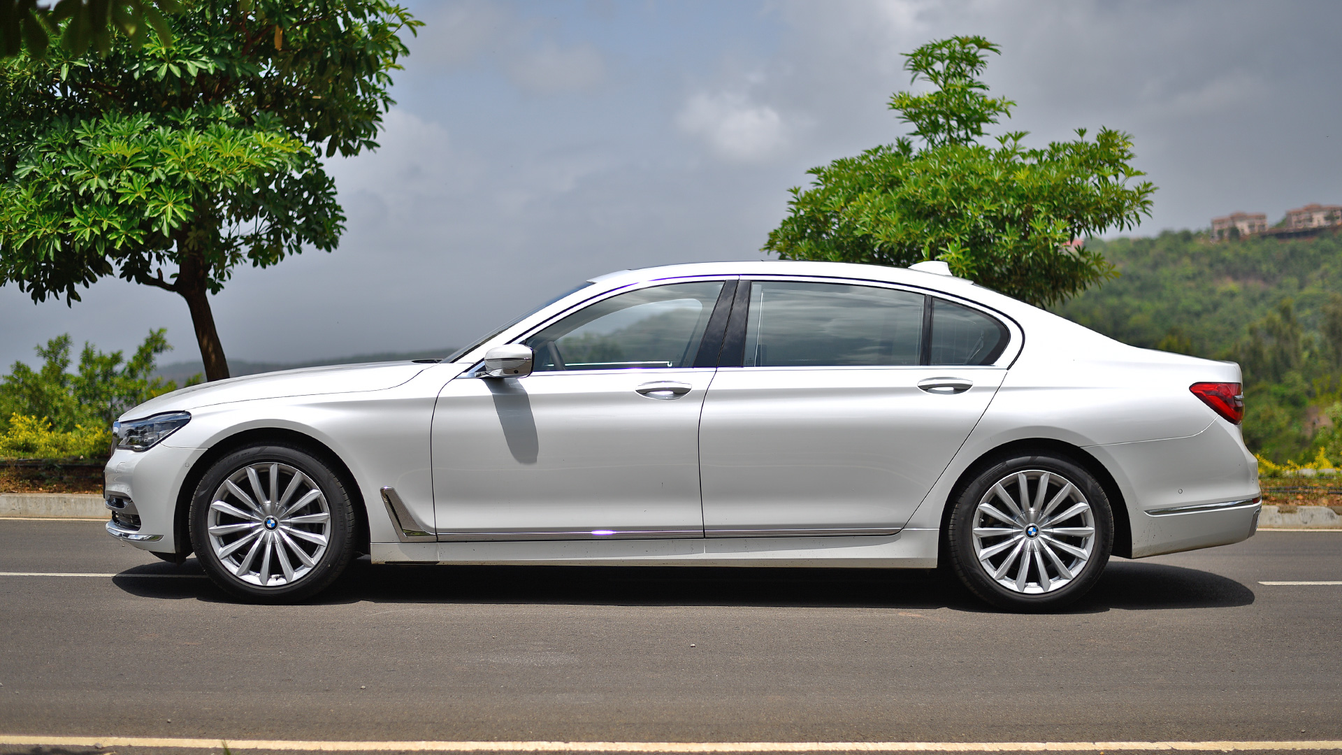 bmw 7 series 2017 price mileage reviews specification. Black Bedroom Furniture Sets. Home Design Ideas