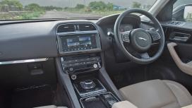 Jaguar F-pace 2016 Prestige Interior