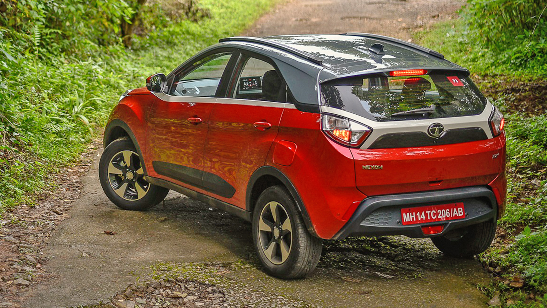 Tata Nexon 2018 Diesel XE Price Mileage Reviews Specification