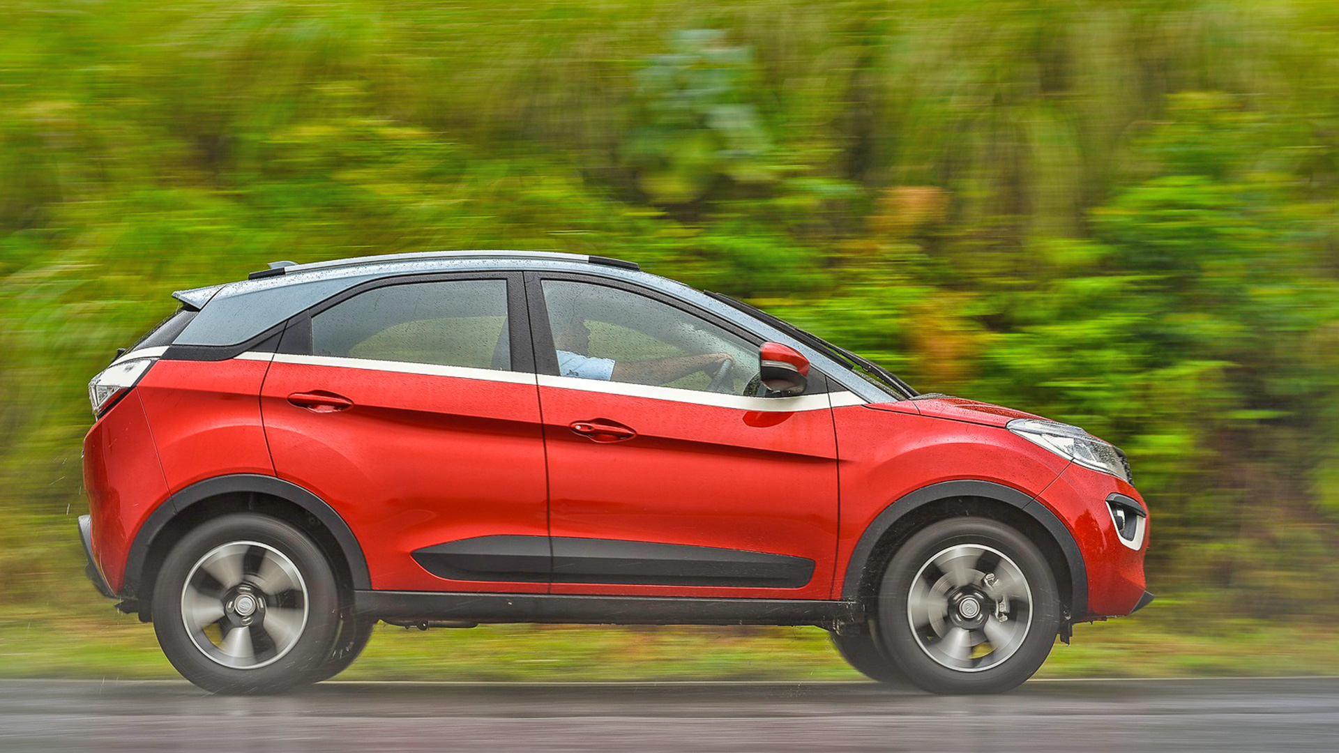 Tata Nexon 2018 Price Mileage Reviews Specification Gallery Overdrive