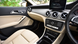 Mercedes Benz GLA 2017 220d 4Matic Interior