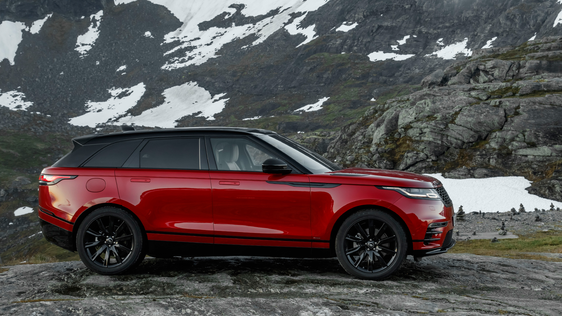 land rover range rover velar 2017 2 0 petrol hse price mileage reviews specification. Black Bedroom Furniture Sets. Home Design Ideas