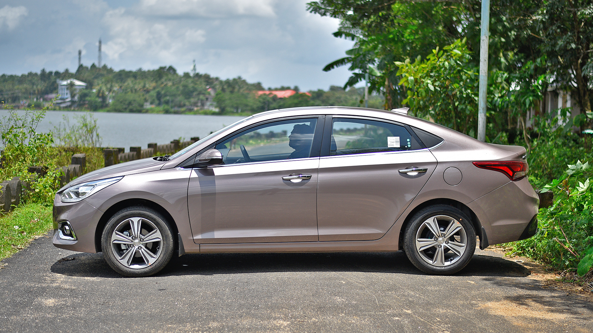 Hyundai Verna 2018 Price Mileage Reviews