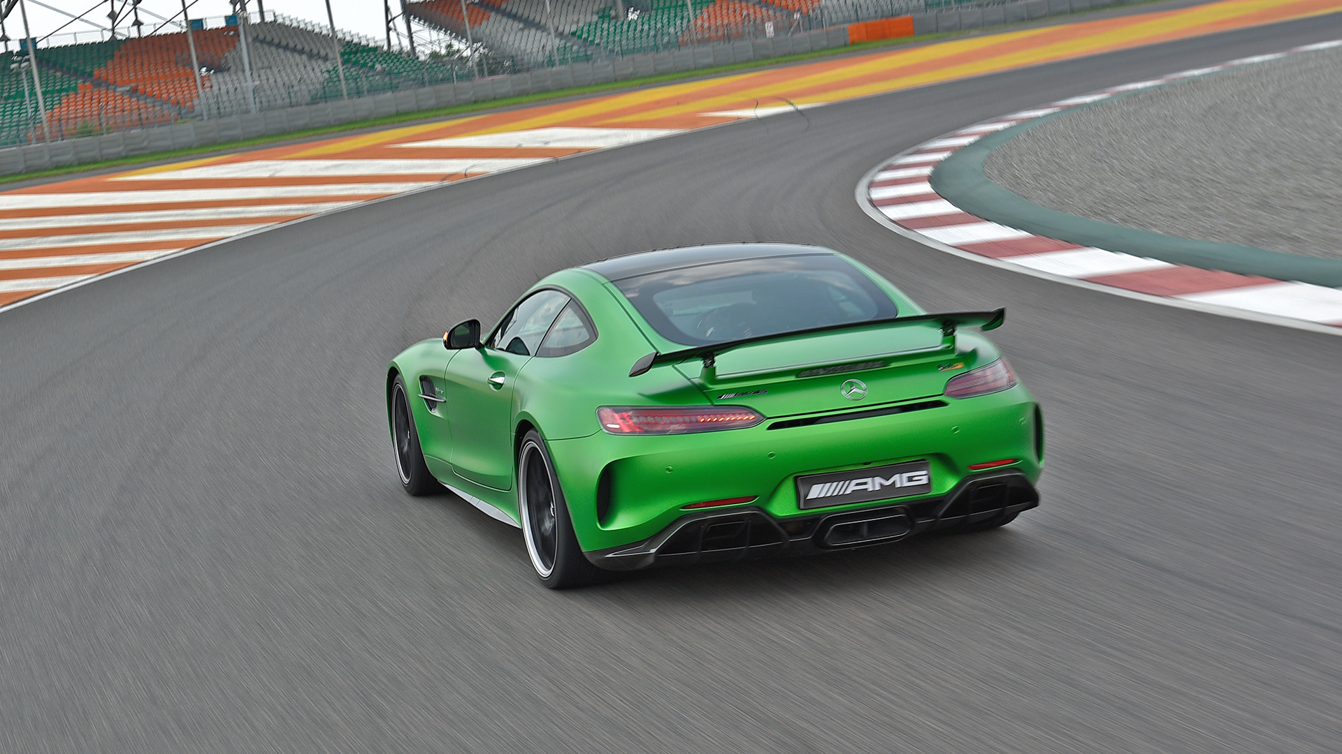 Mercedes benz amg gt 2017 r price mileage reviews for Mercedes benz gtr amg 2017 price
