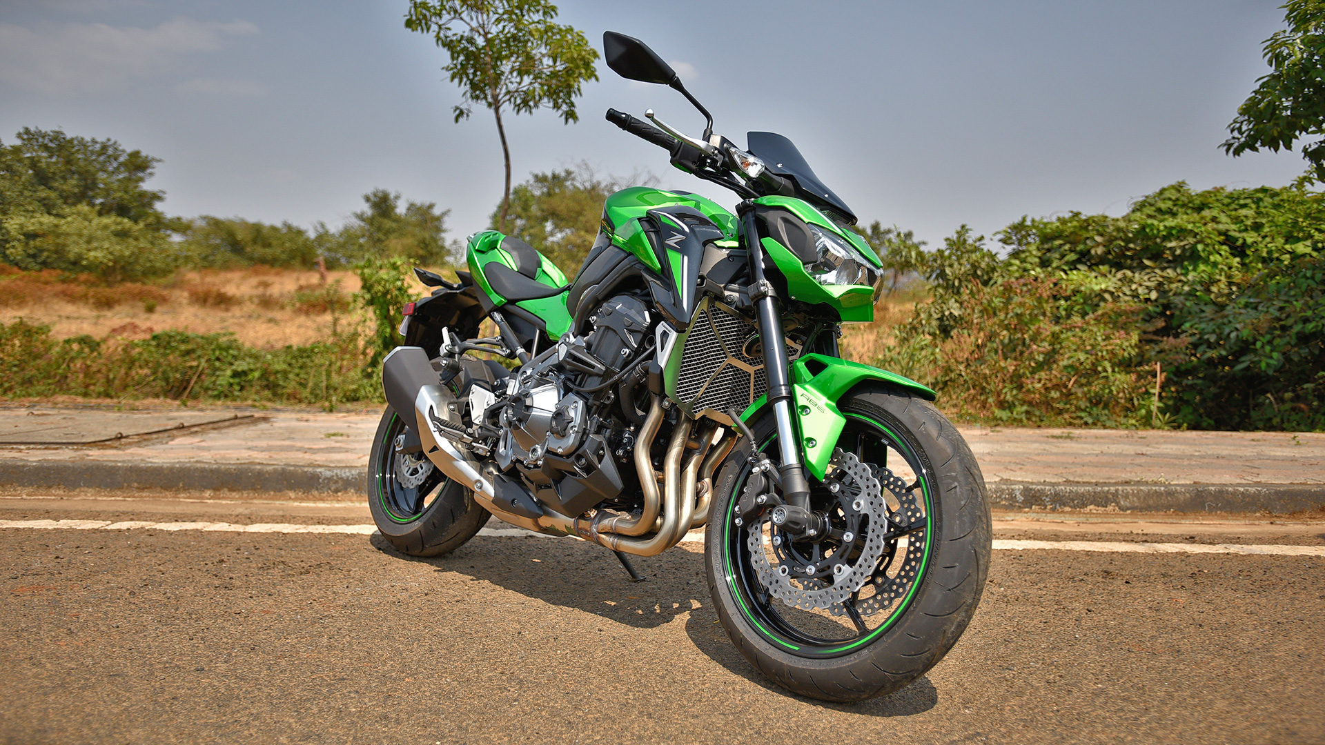 kawasaki z900 2017 std price mileage reviews specification gallery overdrive. Black Bedroom Furniture Sets. Home Design Ideas