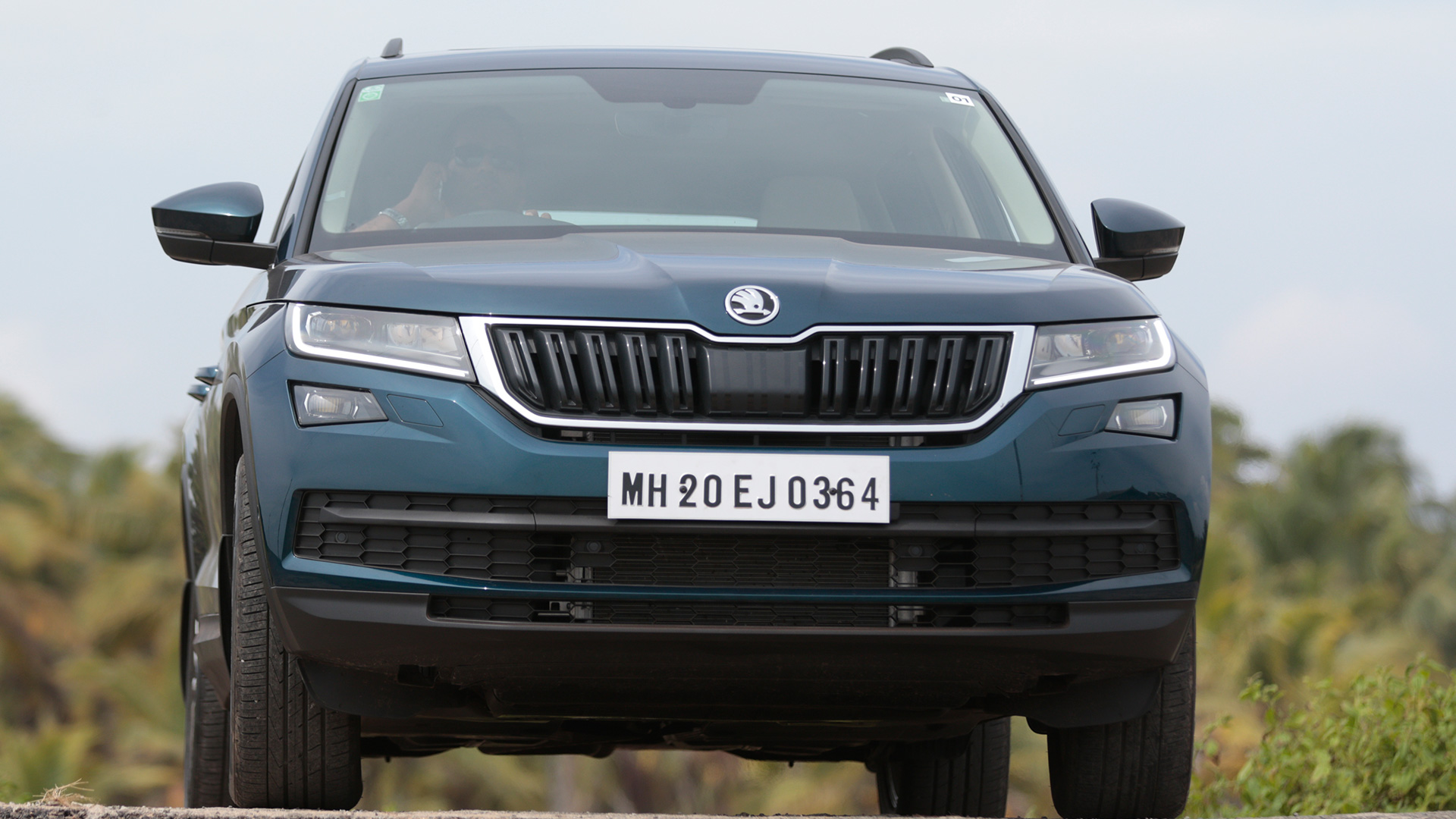 skoda kodiaq 2017 price mileage reviews specification. Black Bedroom Furniture Sets. Home Design Ideas