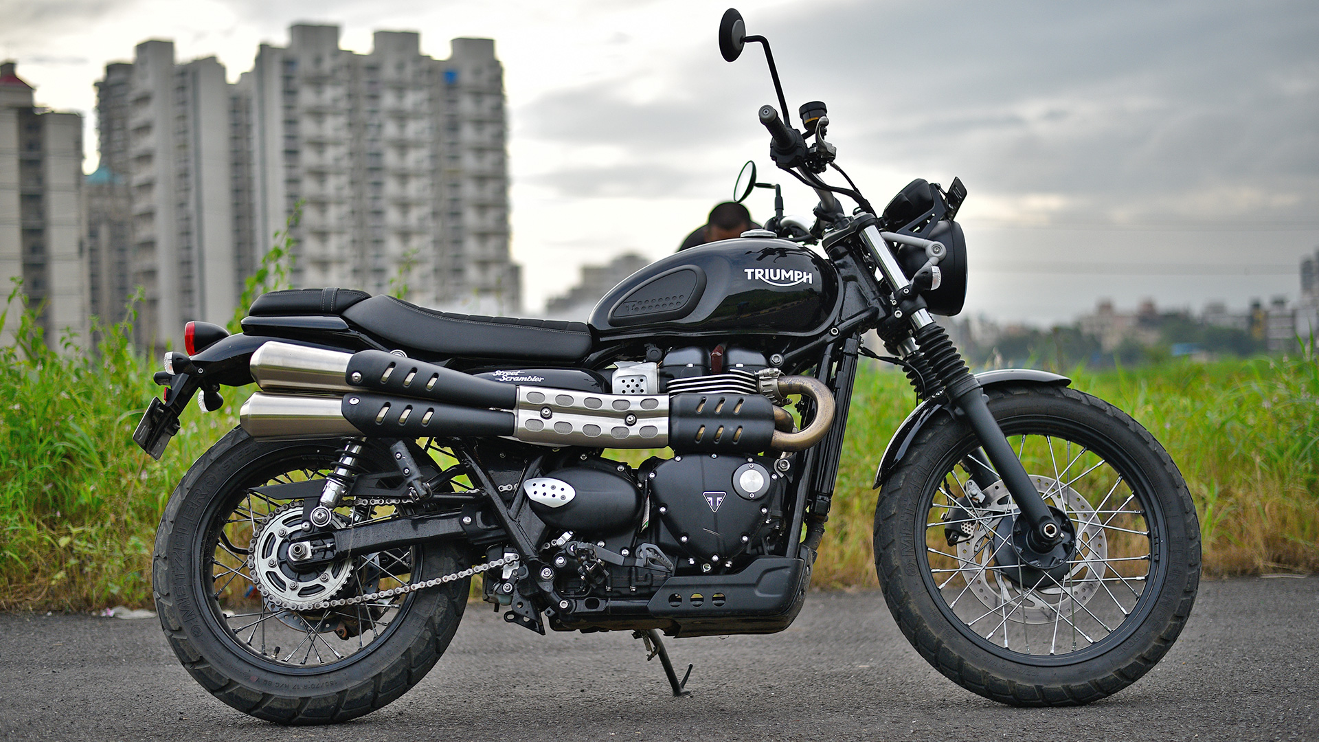 triumph street scrambler 2017 price mileage reviews specification gallery overdrive. Black Bedroom Furniture Sets. Home Design Ideas