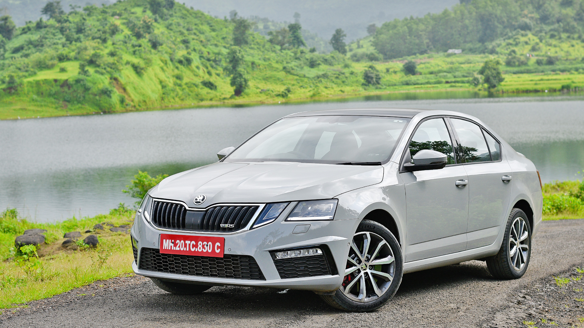 Skoda Octavia 2017 Price Mileage Reviews Specification Gallery