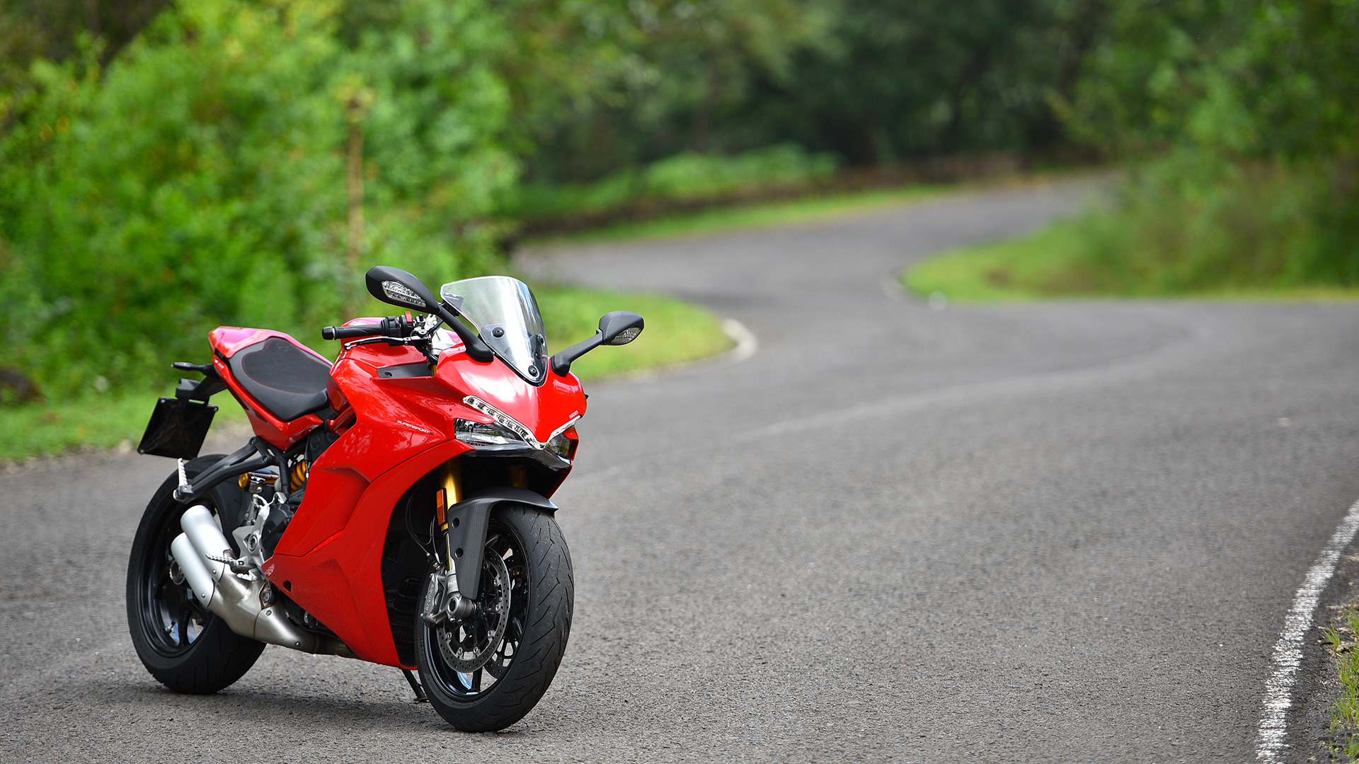 Ducati 939 Supersport 2017 Price Mileage Reviews