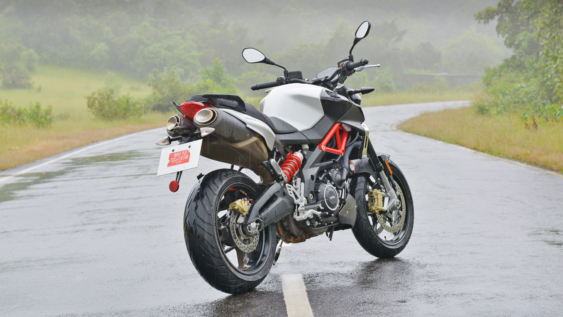 Aprilia Shiver 900 2017 Price Mileage Reviews