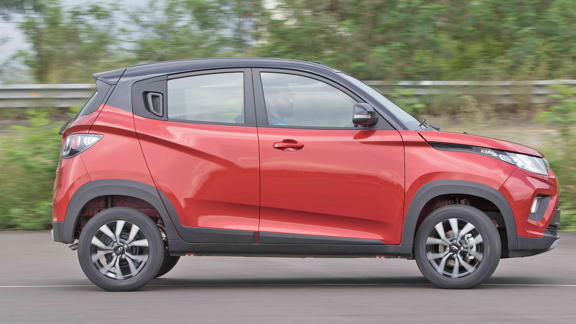 mahindra kuv 100 nxt 2017 k6 diesel price mileage reviews specification gallery overdrive. Black Bedroom Furniture Sets. Home Design Ideas