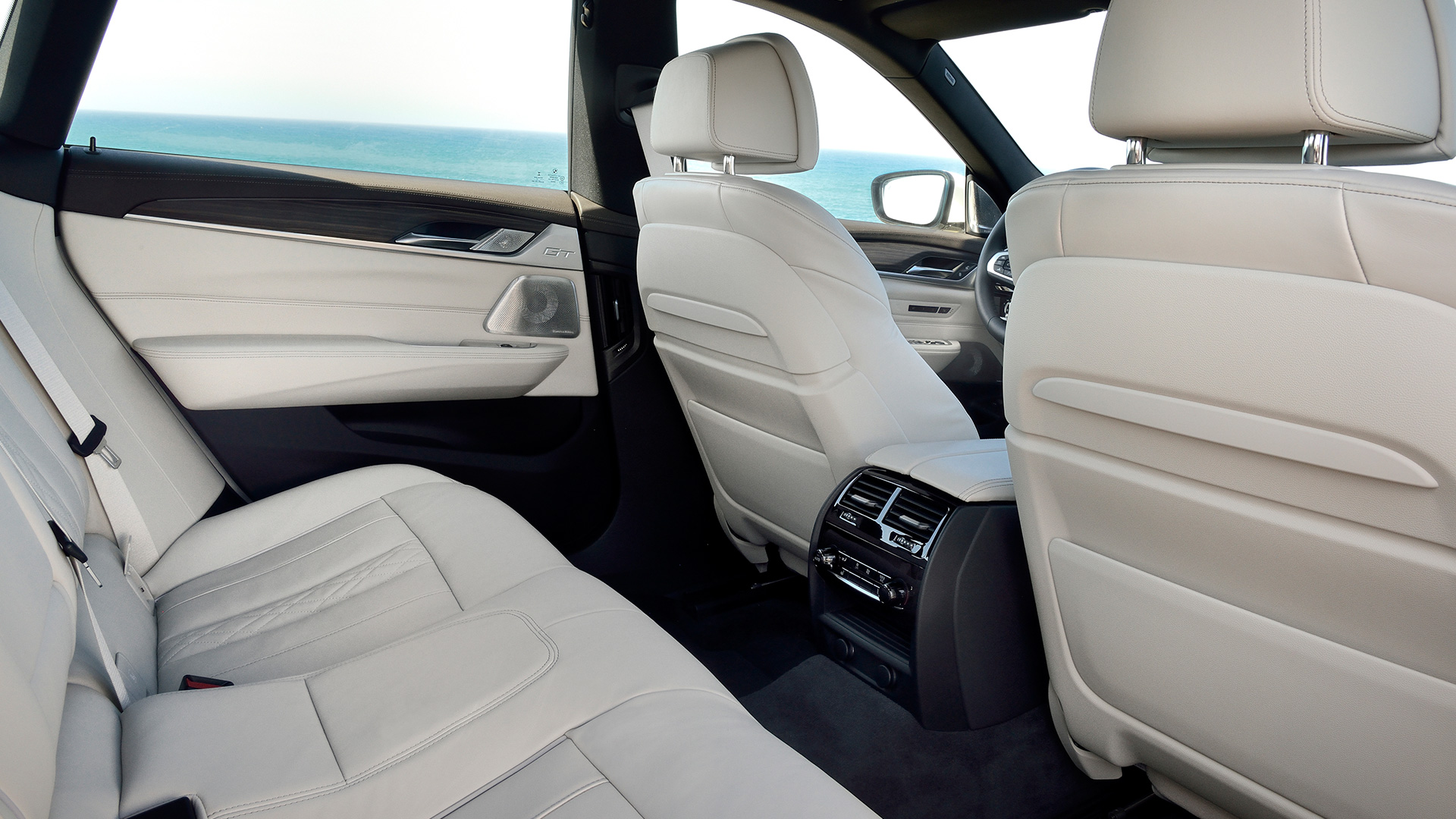 Cars That Have Reclining Rear Seats Autos Post