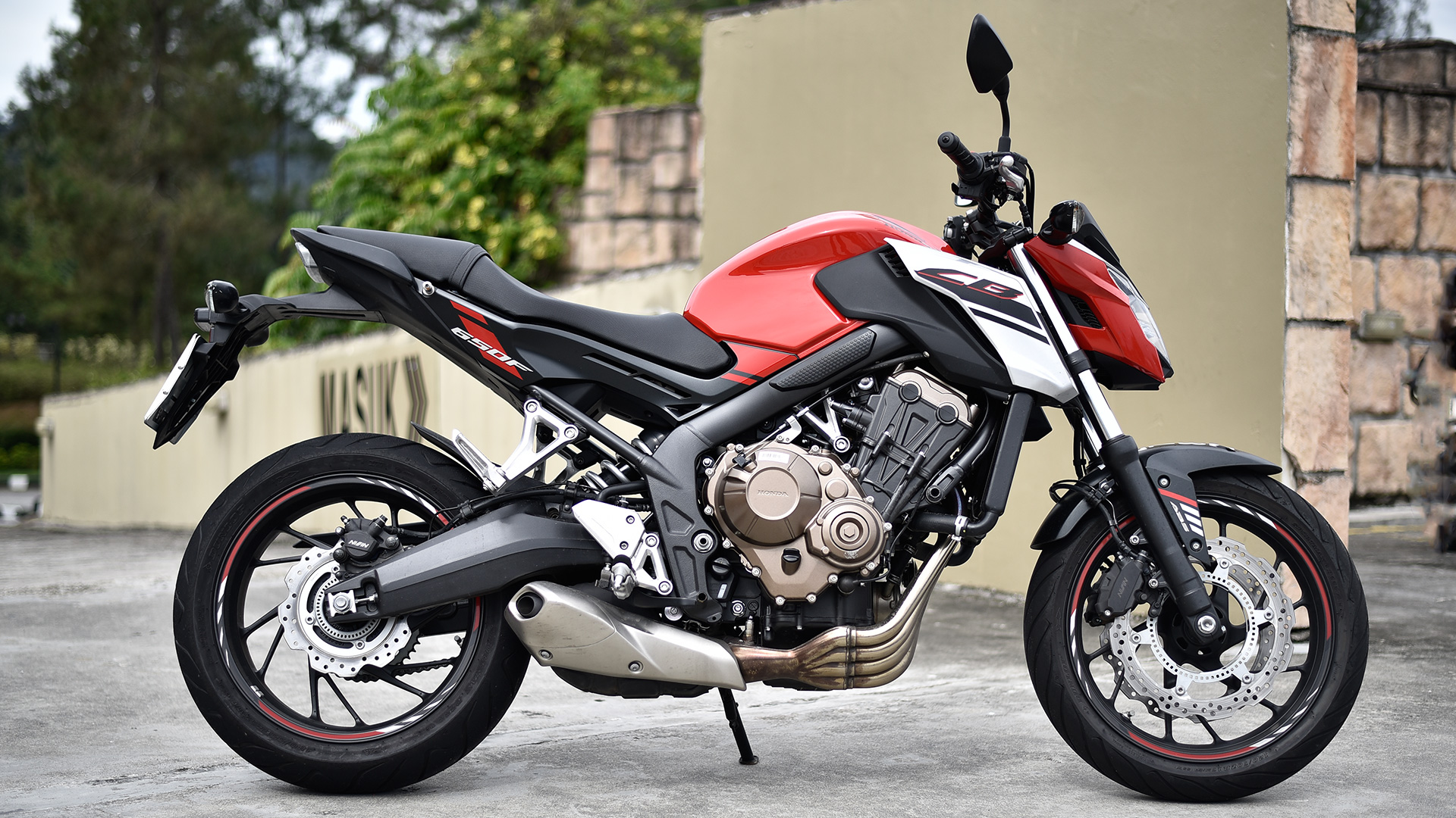 Honda CB650F 2017 - Price, Mileage, Reviews, Specification, Gallery - Overdrive
