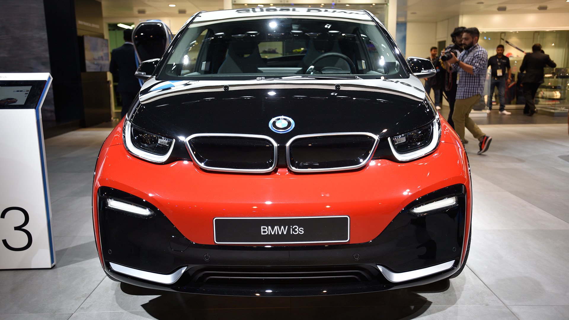 Bmw I3s 2018 Price Mileage Reviews Specification