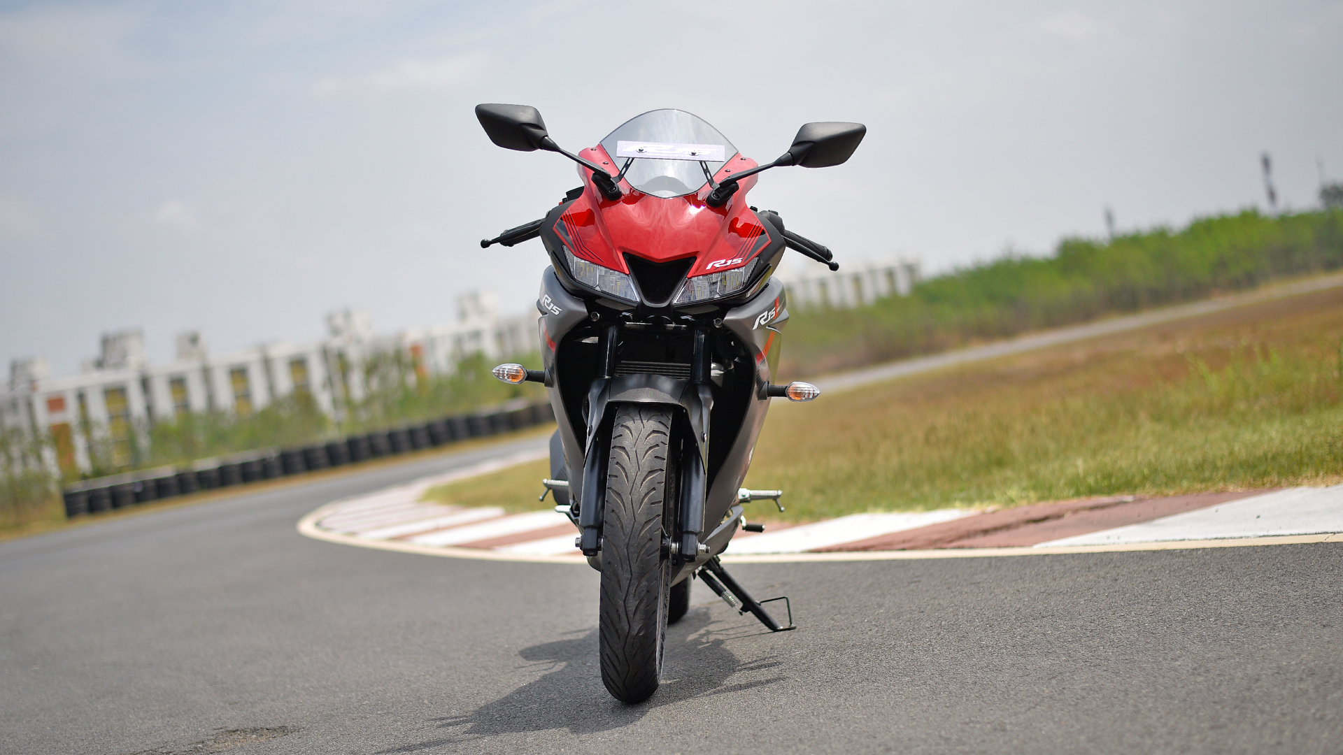 Yamaha Yzf R15 V3 2018 Price Mileage Reviews Specification Gallery Overdrive