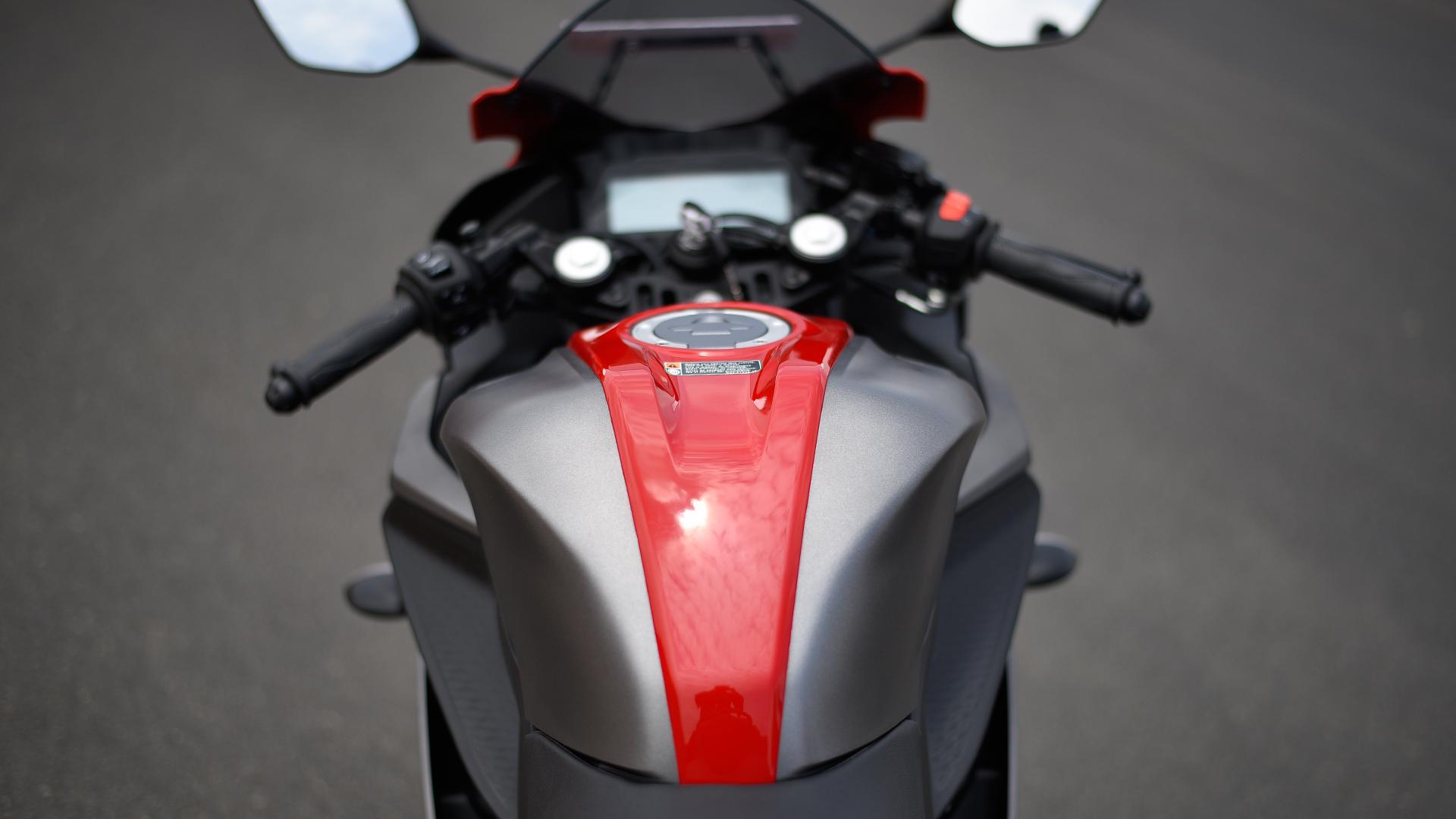 Yamaha Yzf R Gas Mileage