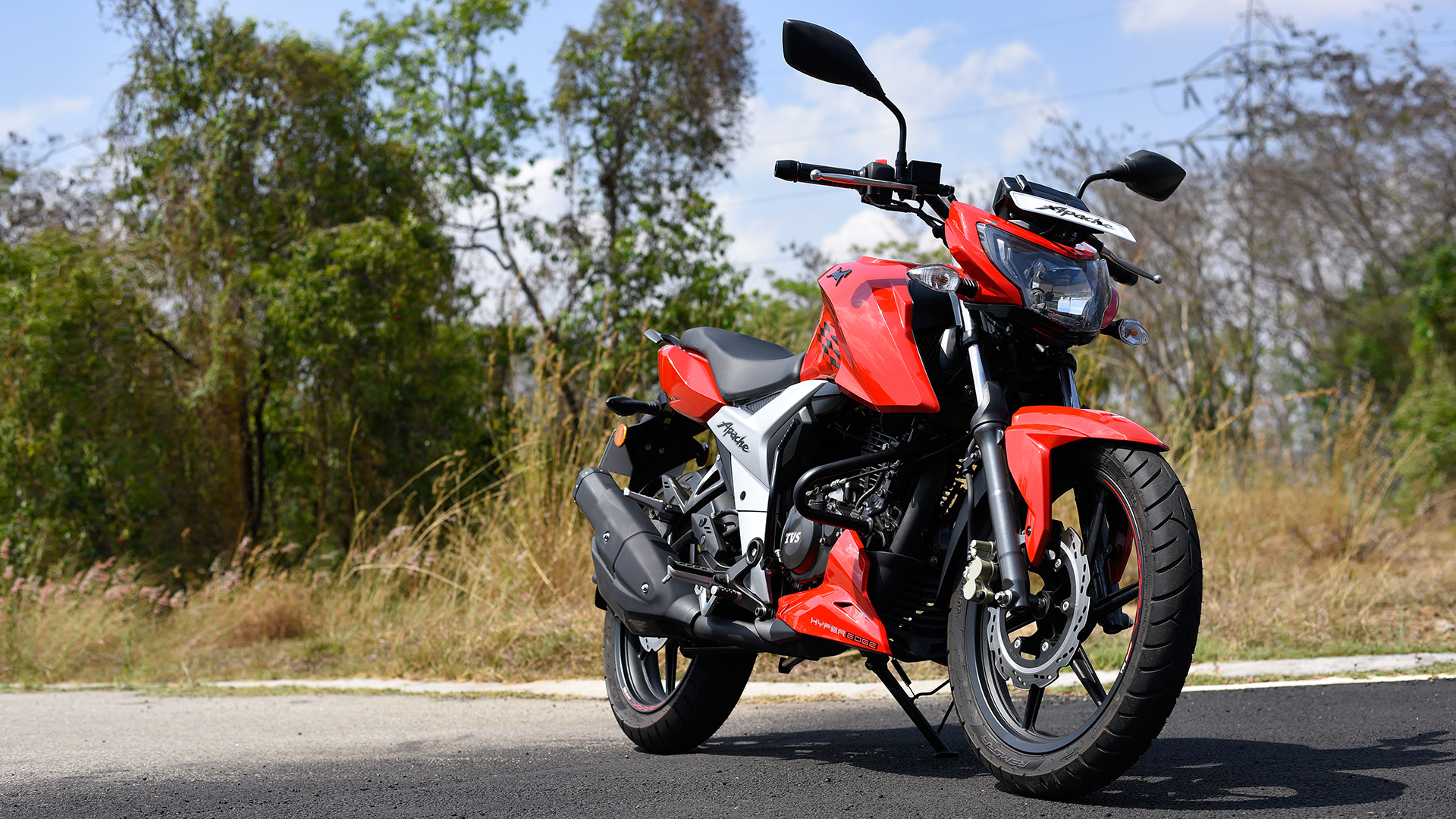 Tvs Apache Rtr 160 4v 2018 Price Mileage Reviews