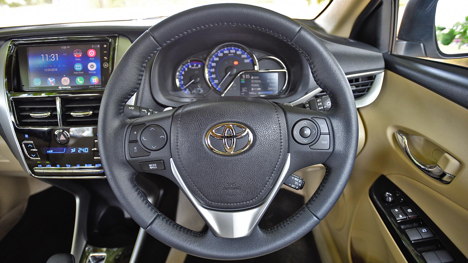 Toyota Yaris 2018 VX CVT Interior Car Photos - Overdrive
