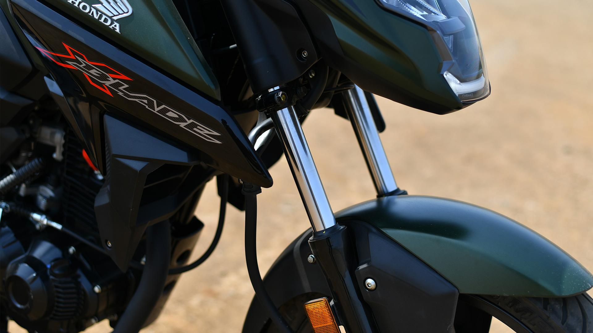Honda X Blade 2018 Price Mileage Reviews