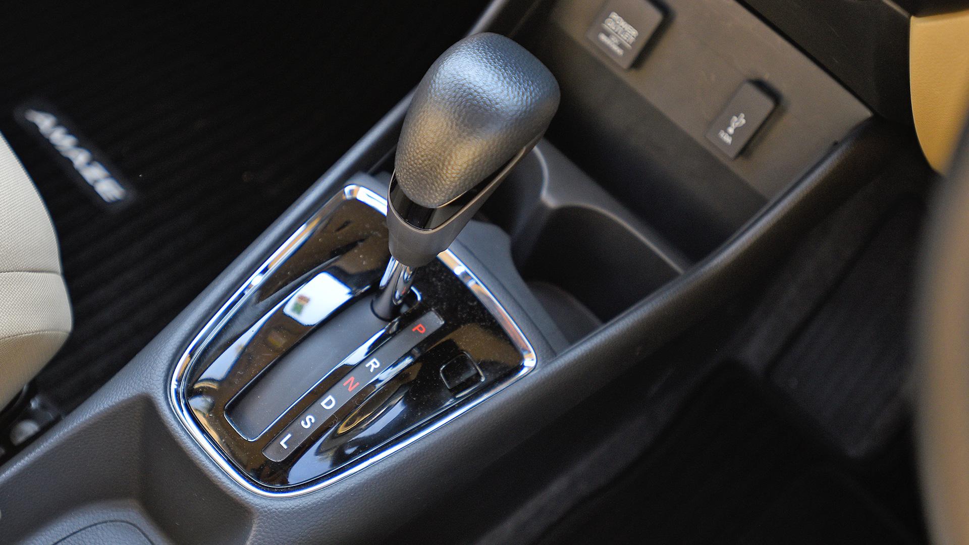 Honda Amaze 2018 V CVT Interior Car Photos - Overdrive