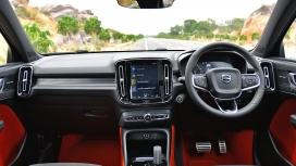 Volvo XC40 2018 D4 R Design Interior