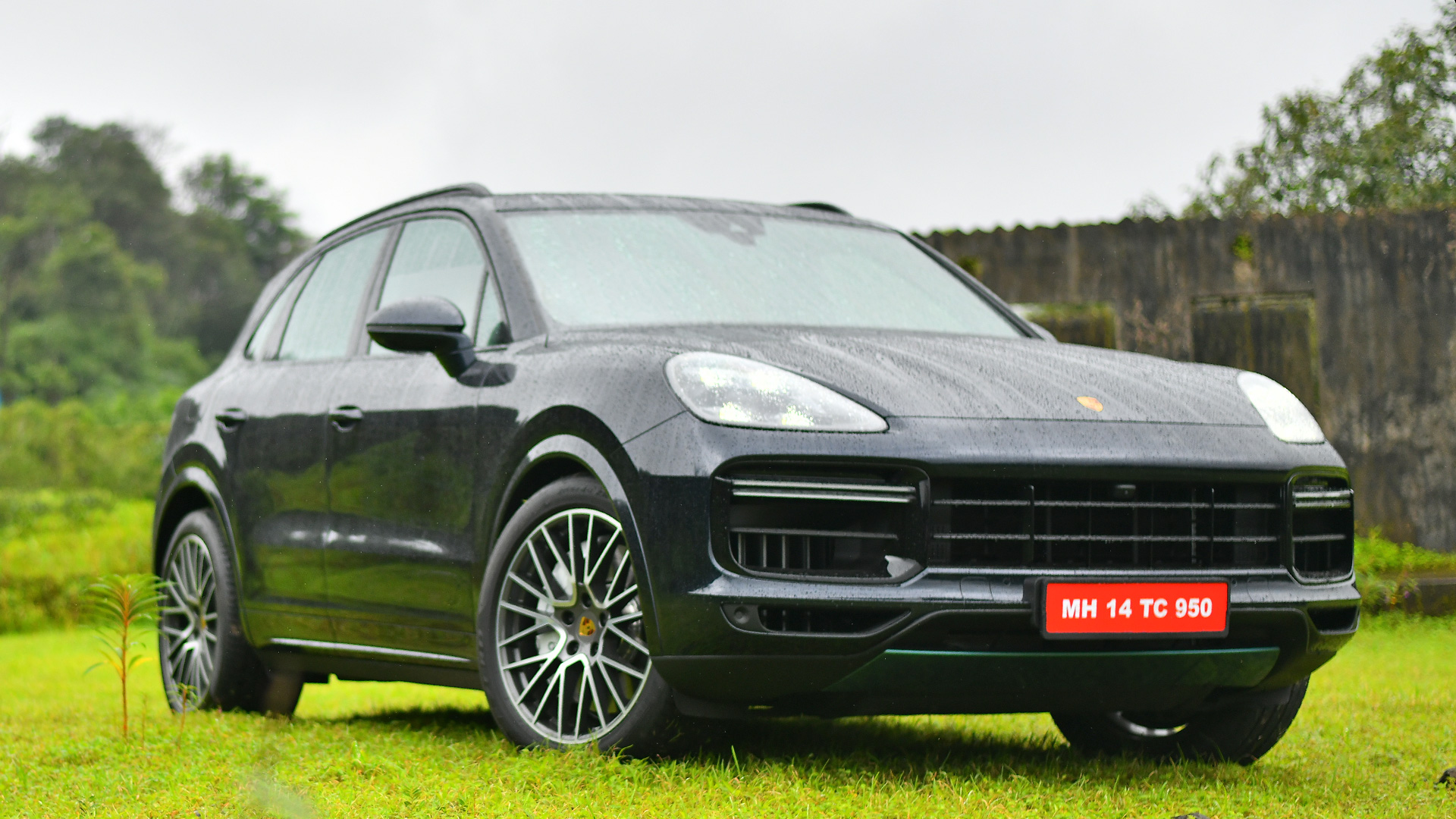 Porsche Cayenne 2019 Price Mileage Reviews Specification