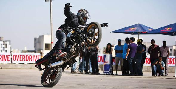 Stunt punk-eys