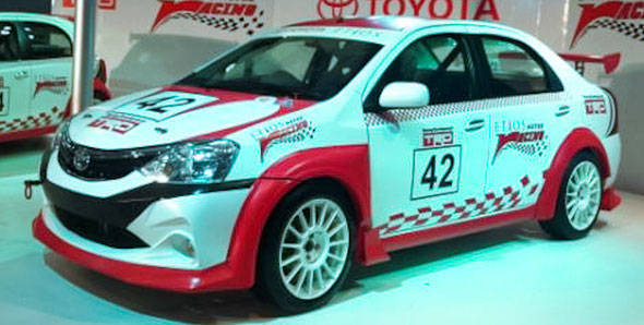 2012 Auto Expo – Toyota unveils their Etios and Liva racing concepts
