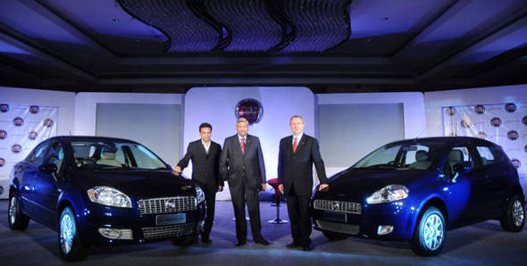 2012 Auto Expo – Fiat launches revised Linea and Punto
