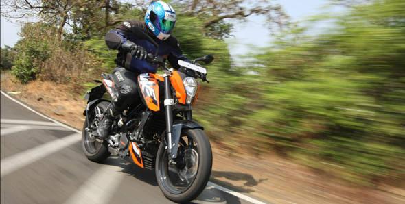 KTM 200 Duke roadtest - Overdrive