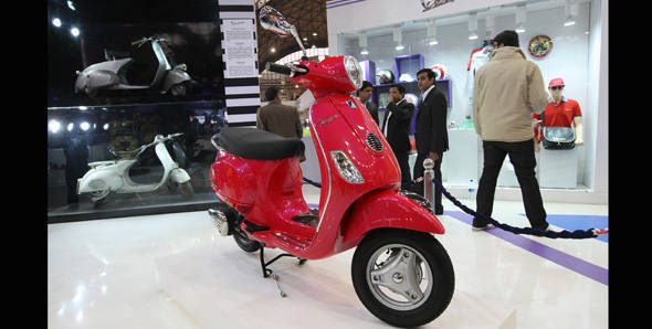 Vespa scooter to be launched in India on April 26