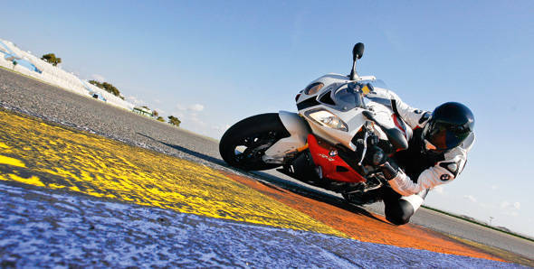 Unveiled – 2013 BMW S1000RR HP4