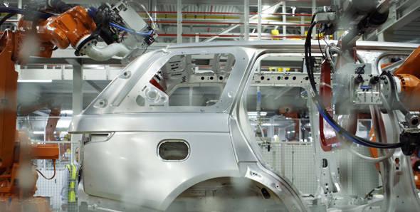 JLR invests 370 million pounds into its UK facility