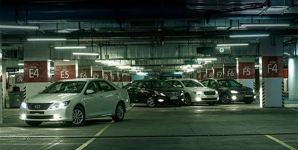 Comparo: 2012 Toyota Camry vs Hyundai Sonata vs Skoda Superb vs Honda Accord